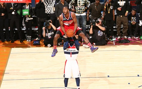 John Wall jumps over G-Man to win the NBA dunk contest
