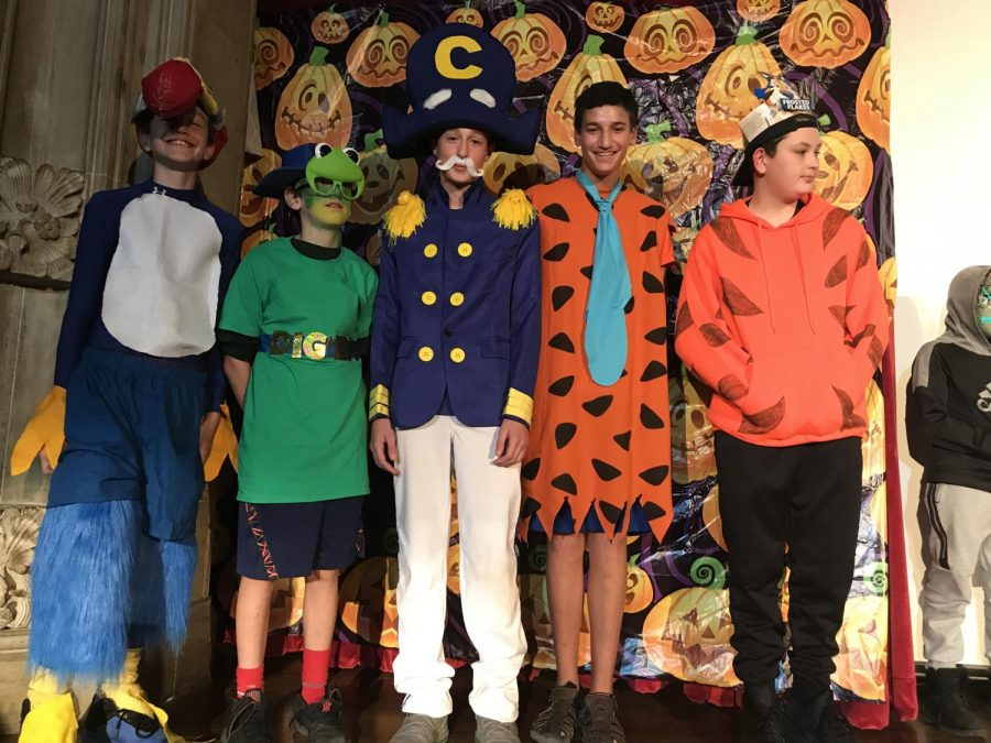 7th+graders+Chris+Archer%2C+Jack+Straub%2C+Luke+Arone%2C+Ari+Hoffman%2C+and+Brendan+Longworth+pose+for+a+pic+during+the+Halloween+Extravaganza.